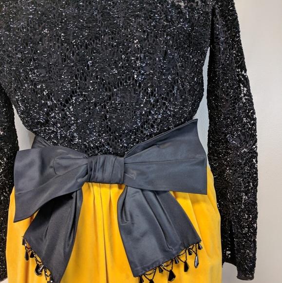 Bloomingdale's Dresses & Skirts - Bloomingdale's Vintage Velvet Gown